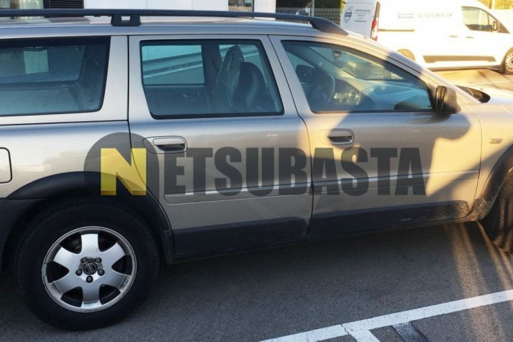 Volvo XC70 2.4 D5 CrossCountry AWD 2003