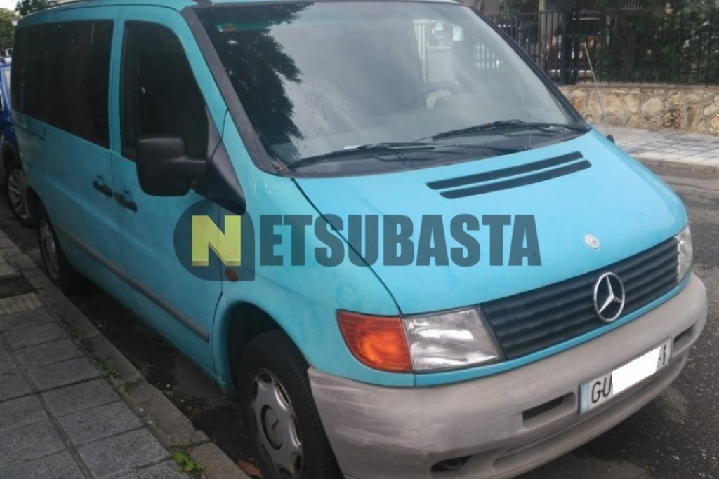 Mercedes-Benz Vito 110D Mixta Adaptable 1999