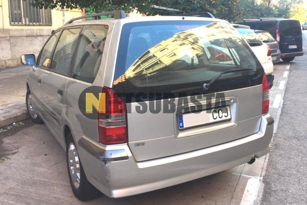 Mitsubishi Space Wagon 2.4 GDI 2002